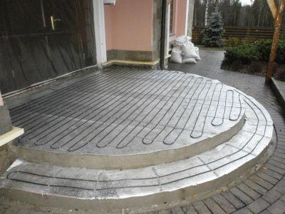 Электрический теплый пол на улице